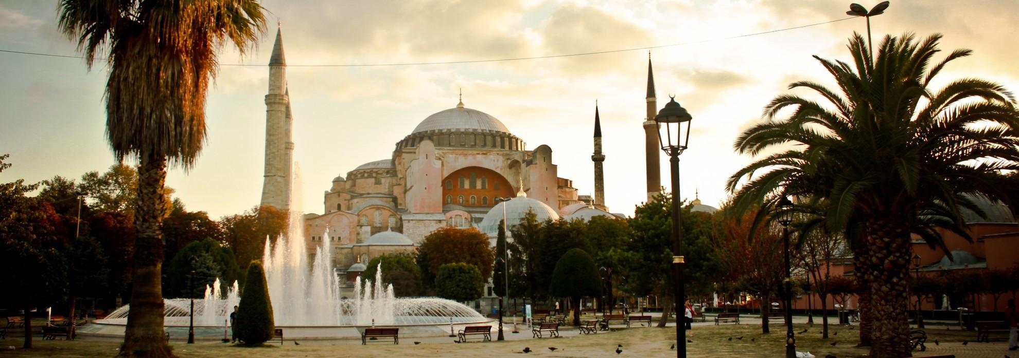 Aya_Sofia_Istanbul-e1412160324859
